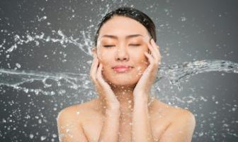 Waterjet Facial Treatment