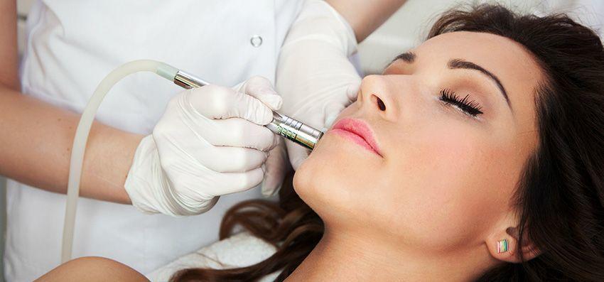 Non-invasive skin lightening