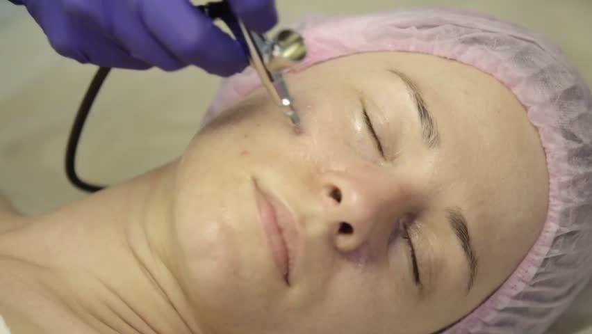 Waterjet Facial Treatment