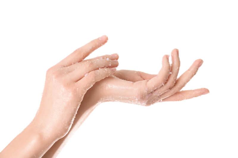 salt scrubs benefit skin
