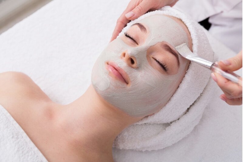 hydrating facial for women